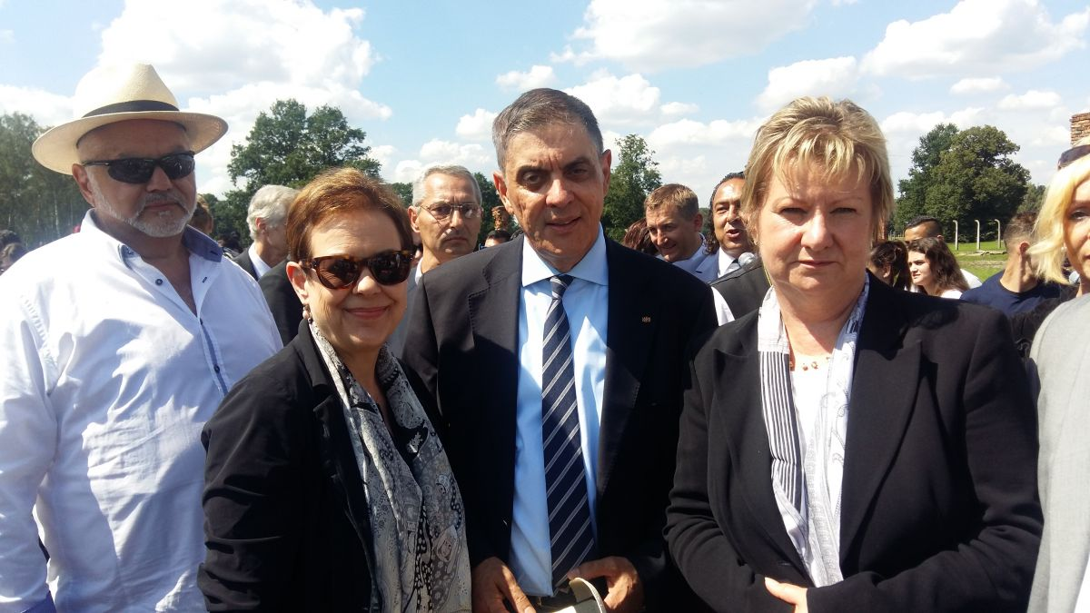 Chair of the IHRA Committee on the Genocide of the Roma, Martina Maschke, Chair of the Central Council of German Sinti and Roma, Romani Rose, Minister of Education for Nordrhein-Westfalen, Sylvia Loehrmann